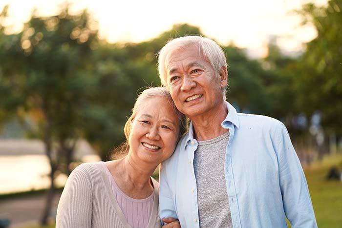 Những lưu ý khi chăm sóc người cao tuổi tại nhà